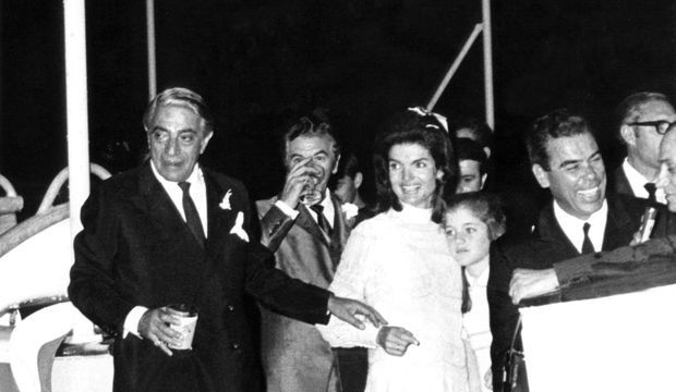 """Sur le yatch """"Christina"""", juste après leur mariage en 1968"""