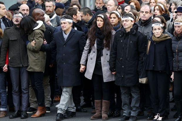 """Les """"survivants"""" de Charlie Hebdo à la marche républicaine"""