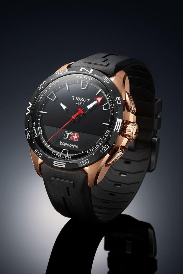 T-Touch Solar en titane PVD or rose, 42 mm de diamètre, bracelet en caoutchouc, à partir de 990 €. Tissot.