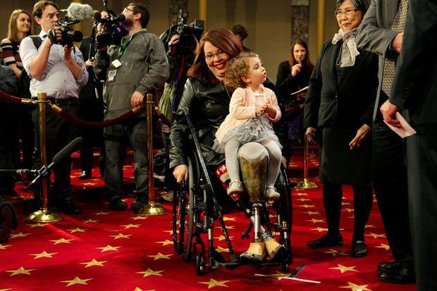Tammy Duckworth et sa fille Abigail, en janvier 2017.