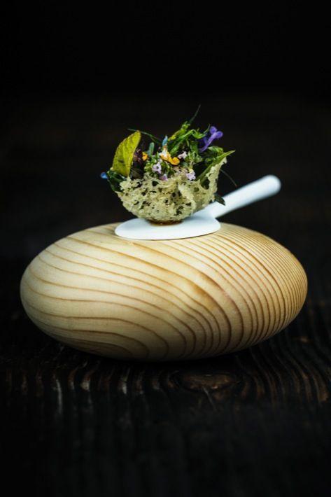 Tartelette aux herbes aromatiques du jardin.
