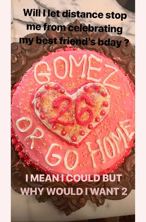 Le gâteau de Taylor Swift pour l'anniversaire de Selena Gomez