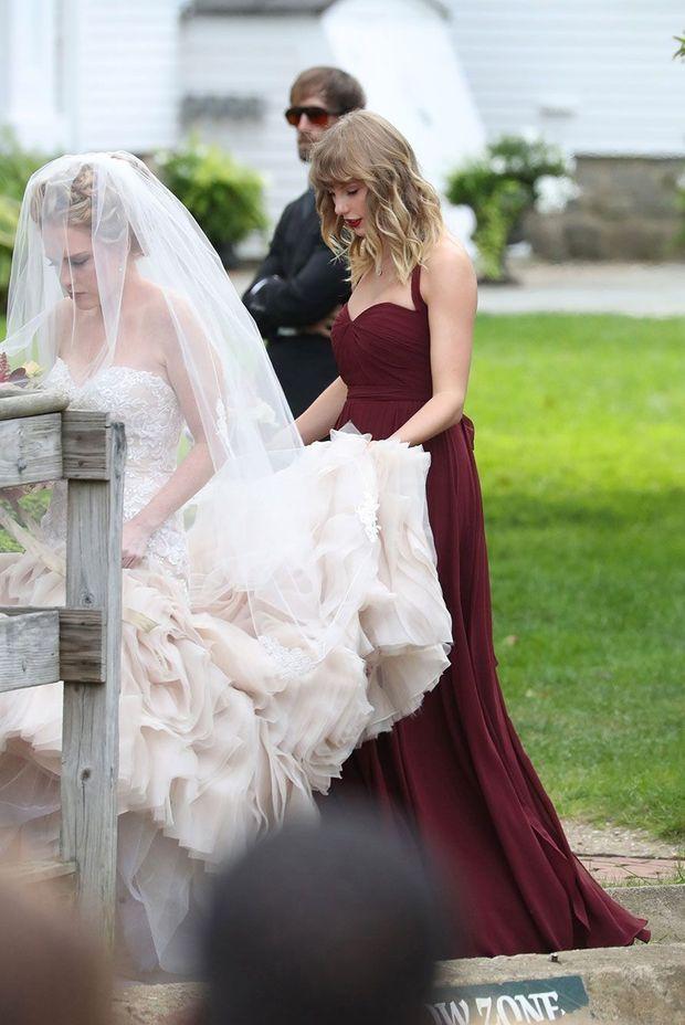 Taylor Swift, demoiselle d'honneur pour le mariage de son amie.