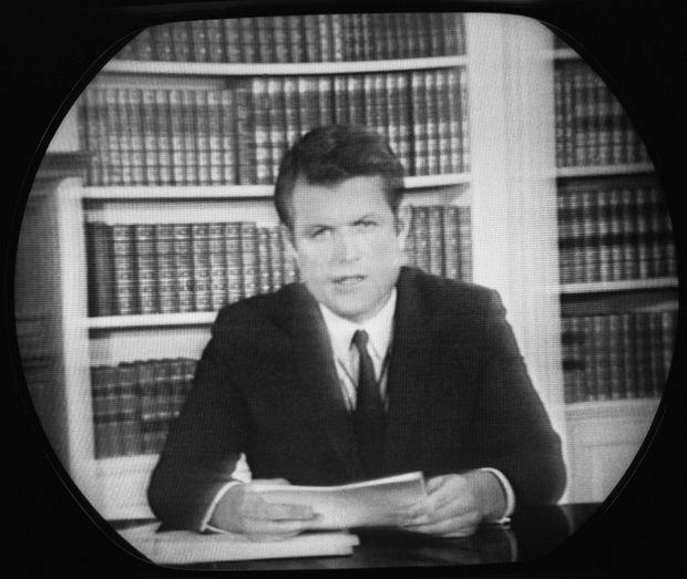 Ted Kennedy s'explique à la télévision à propos de l'accident, le 25 juillet 1969.
