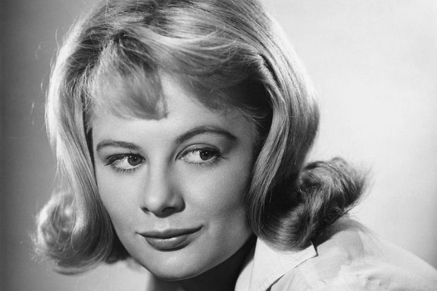 Shirley Knight en 1958.