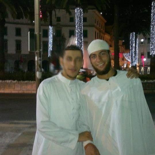 Ayoub El Khazzani accompagné d'un ami.