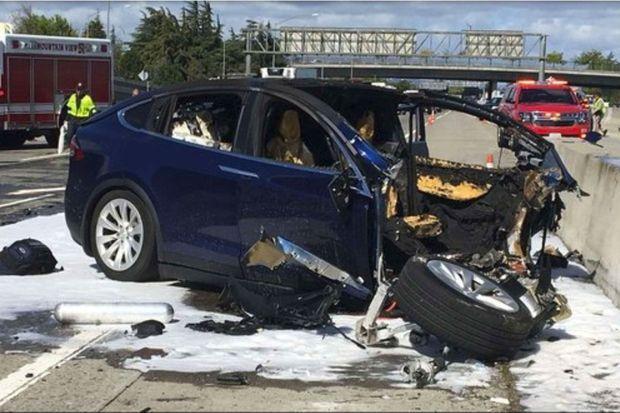 La Model X impliquée dans un accident mortel à Mountain View en Californie, le 23 mars dernier.