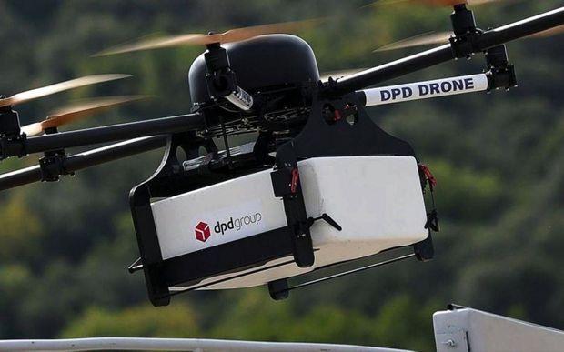 Testé dans le Var, le drone de DPD Group utilisé par La Poste atteint une vitesse de croisière de 30 km/h.