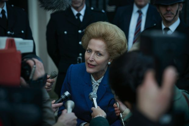 « The Crown » saison 4, c'est aussi l'occasion de (re)plonger dans le thatchérisme. Pour redonner vie à la Dame de fer, nulle autre que Gillian Anderson