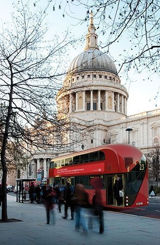 -The-Red-London-Bus-002-