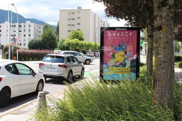 L'affiche du 44e Festival d'Annecy dans les rues de la ville.