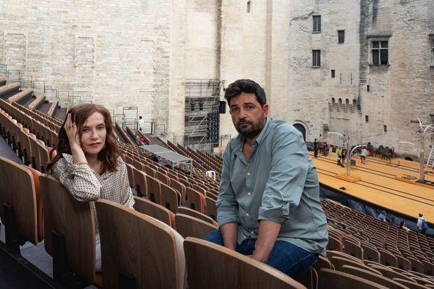 Avec le metteur en scène portugais Tiago Rodrigues, qui prendra la tête du Festival d'Avignon à partir de 2022
