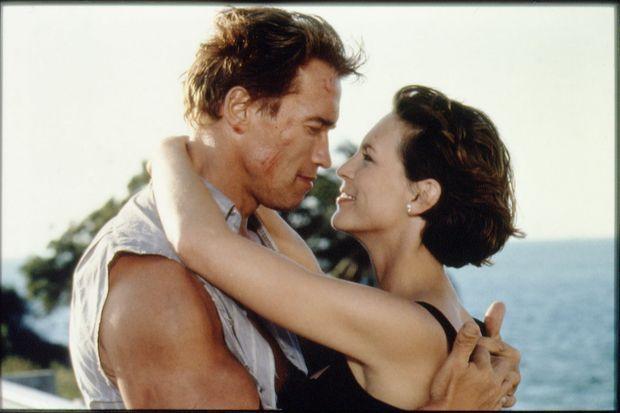 Arnold Schwarzenegger avec Jamie Lee Curtis dans «True Lies» de James Cameron, en 1994.