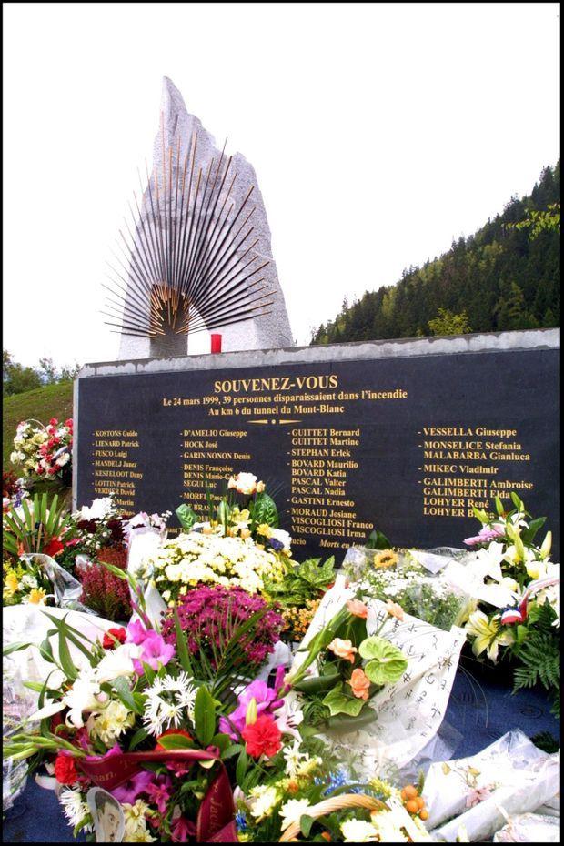Le mémorial des victimes de l'incendie du Tunnel du Mont-Blanc, à Chamonix.