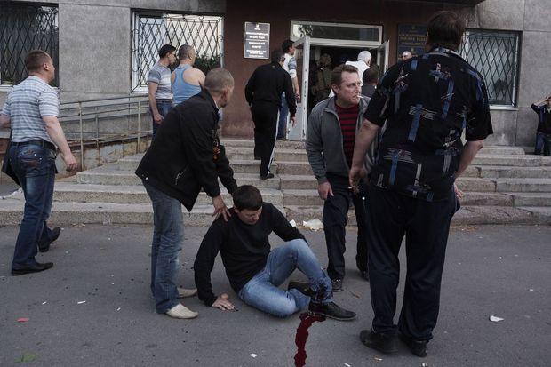 Rouslan, la cheville déchiquetée par une balle de Kalachnikov.