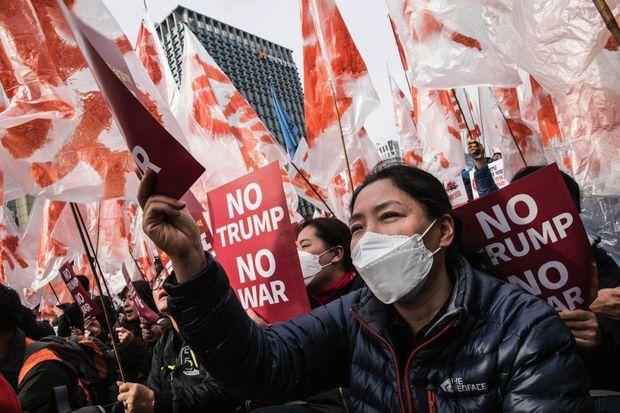 Un antiaméricanisme relatif : à la manifestation contre la visite de Trump, le 7 novembre 2017 à Séoul, ils n'étaient pas plus de 300.