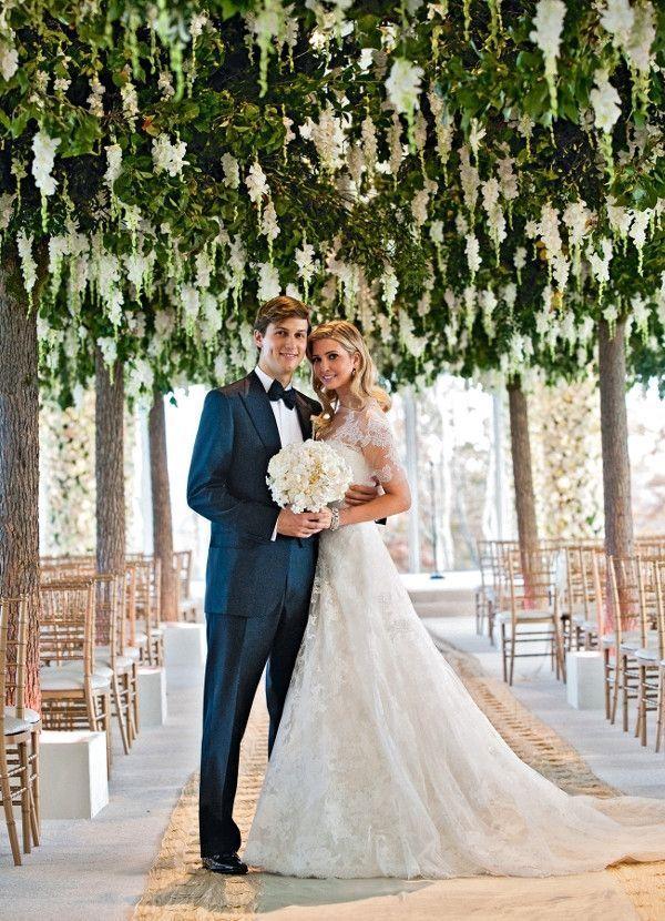 Un mariage en or massif. Le 25 octobre 2009, Ivanka épouse Jared Kushner, magnat de l'immobilier et patron de presse, au Trump National Golf Club de Bedminster, dans le New Jersey.