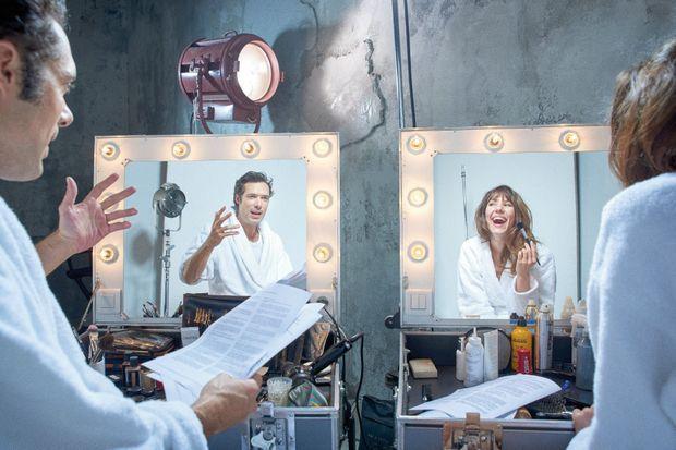 Un miroir à deux faces et une écriture à deux têtes. « Le réalisateur, c'est Nicolas, clairement ! Mais j'adore qu'il me demande mon avis… »