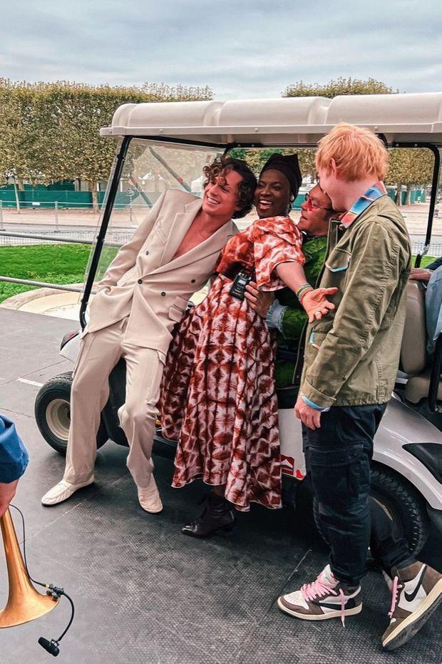 Un peu avant le concert, Elton John, Ed Sheeran Charlie Puth et Angélique Kidjo.