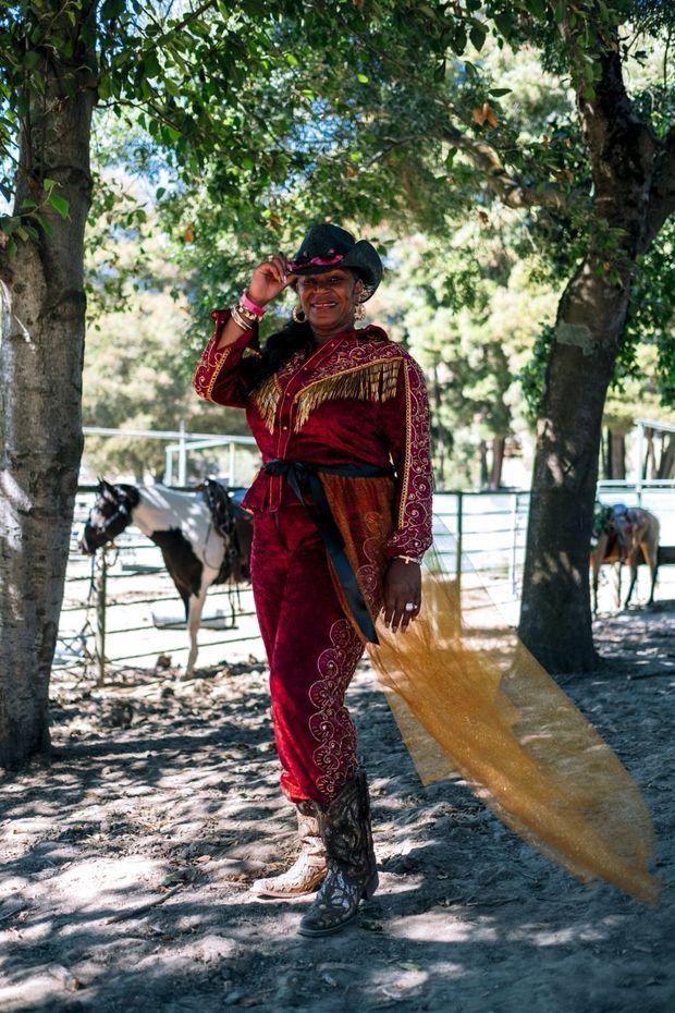 Une tenue flamboyante pour cette cavalière émérite.