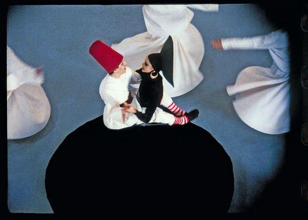 """« Une version improbable de """"Roméo et Juliette"""" avec Farida et Azzedine Alaïa, dont j'ai réalisé un petit film musical d'où cette photo est tirée. »"""