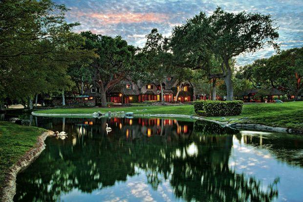 Une villa acquise par le chanteur pour 17 millions de dollars il y a trente ans. Le domaine compte aussi trois maisons d'amis.
