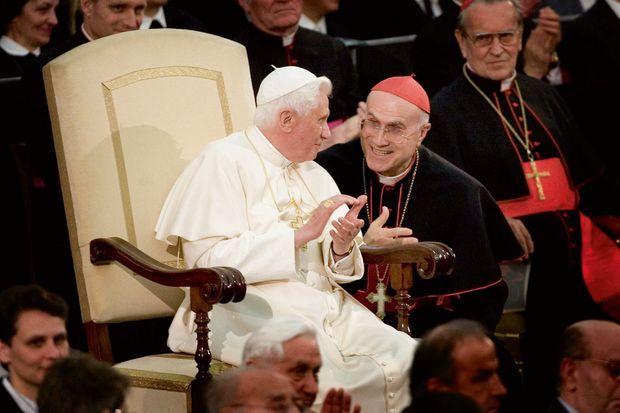 Le cardinal Tarcisio Bertone, secrétaire d'Etat du Vatican en 2007, quittera son poste en 2013 après la démission de Benoît XVI.