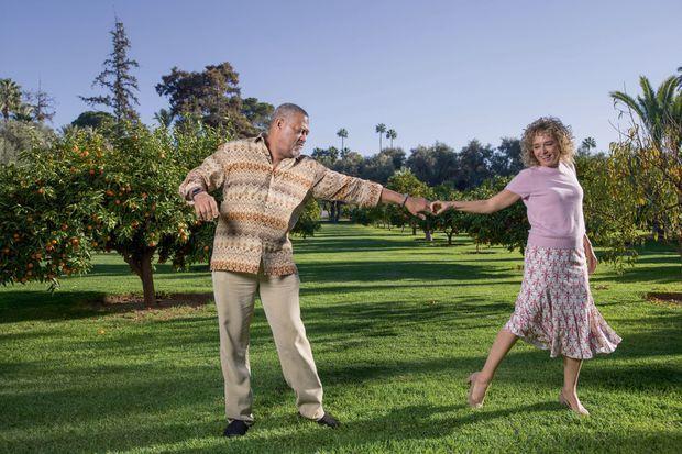 Valeria Golino et Laurence Fishburne improvisent dans le jardin de La Mamounia. Valeria défend son film « Euforia ». Laurence joue dans le film fantastique « Ant-Man et la guêpe », présenté en public sur la place Jeema-el-Fna