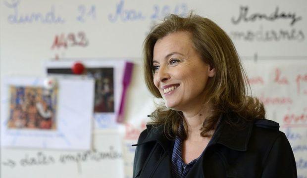Valérie Trierweiler, souriante -