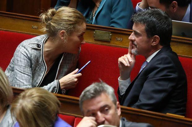 Olivia Gregoire et Manuel Valls à l'Assemblée nationale en octobre 2017.