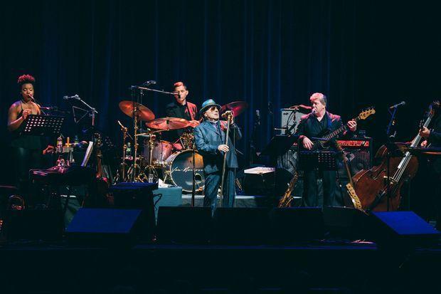 Van Morrison n'a pas laissé tomber son public parisien, mardi soir, à l'Olympia, malgré le coronavirus.