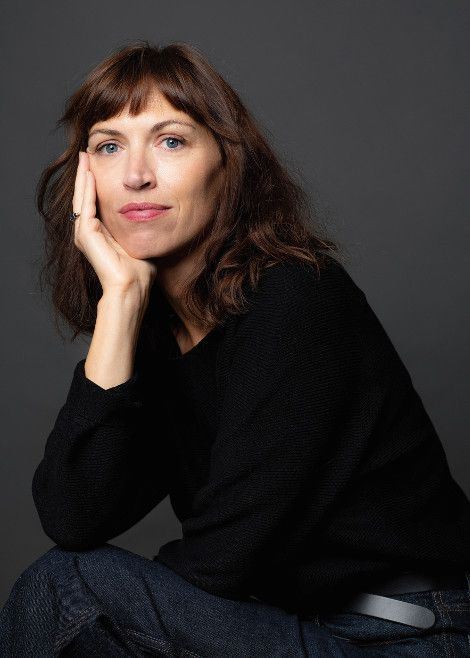 Vanessa Springora. A 47 ans, elle publie « Le consentement », et raconte en 200 pages la prédation subie lorsqu'elle avait 13 ans. Un best-seller en quelques jours.