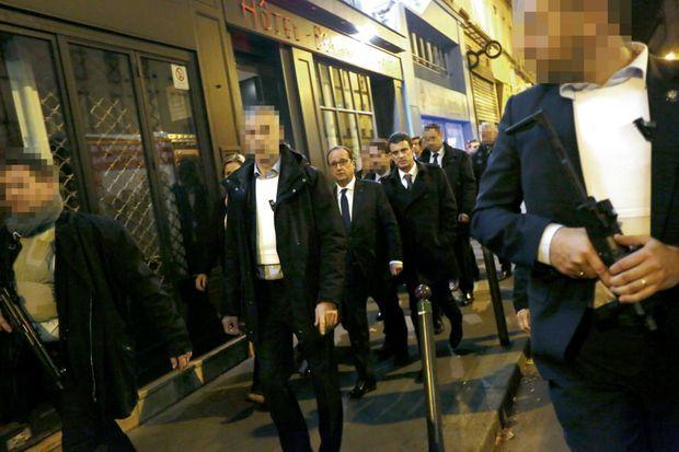 Vers 1 h 30, dans la nuit du 13 au 14 novembre. François Hollande, accompagné de Manuel Valls, se rend sous haute protection au Bataclan.