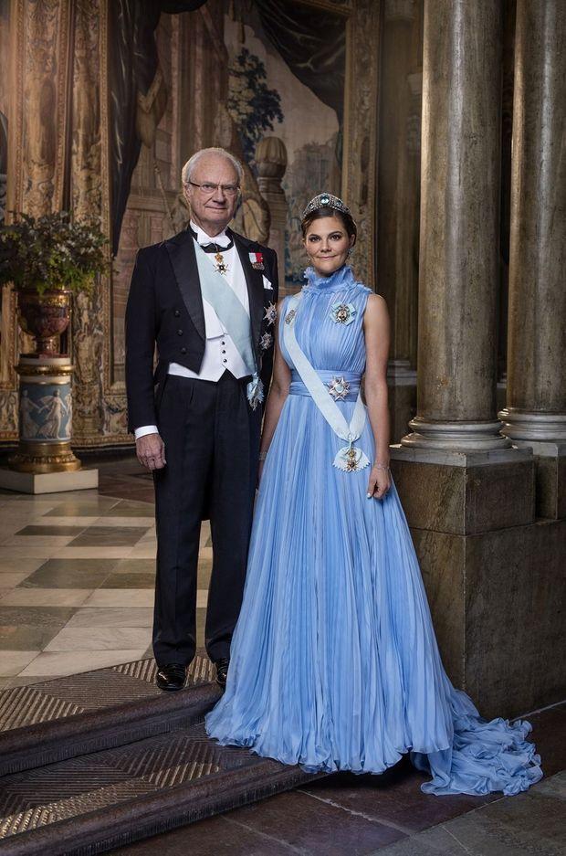 Portrait officiel de la princesse Victoria et du roi Carl XVI Gustaf de Suède, révélé le 5 février 2018