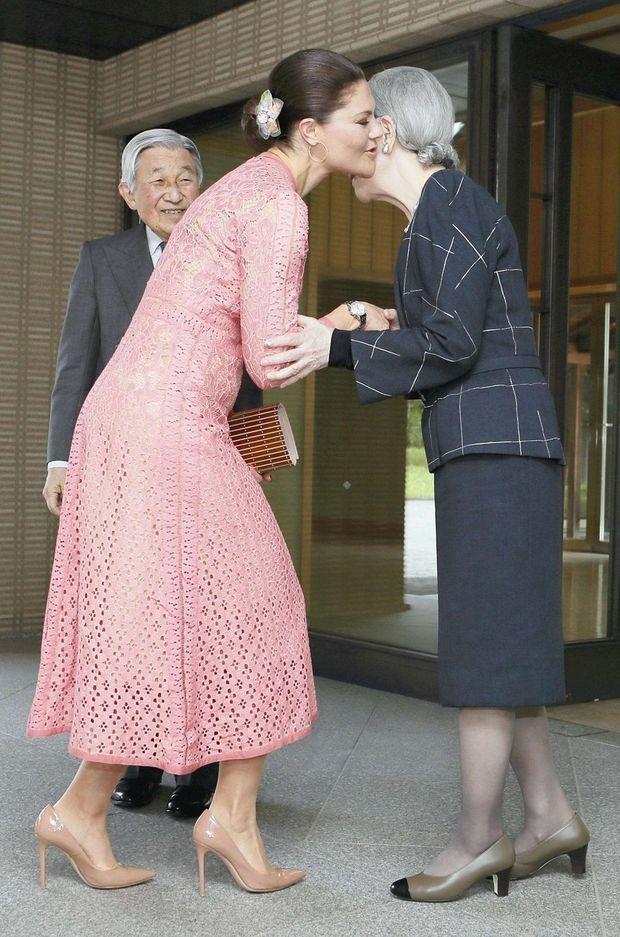 La princesse Victoria de Suède avec l'empereur Akihito du Japon et l'impératrice Michiko, à Tokyo le 18 avril 2017