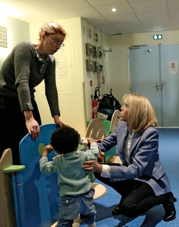 Visite d'un service hospitalier dédié aux enfants autistes, à Rouen, le 5 avril 2018