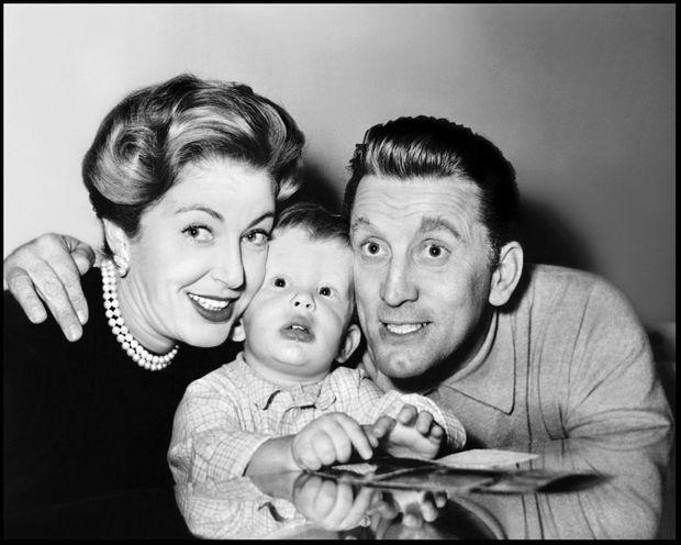 La famille Douglas : Kirk, Diana et Michael