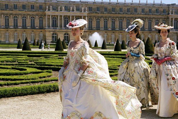 Kristen Dunst incarne la frivole Marie-Antoinette dans le film éponyme de Sofia Coppola en 2006