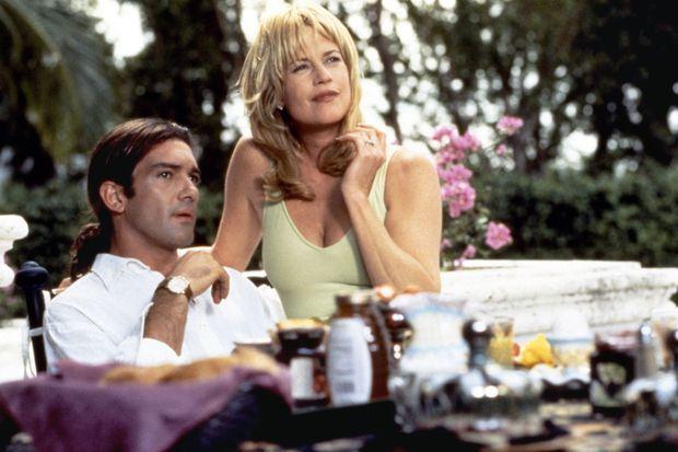 """Antonio Banderas et Melanie Griffith dans """"Two Much"""", sorti en 1995"""
