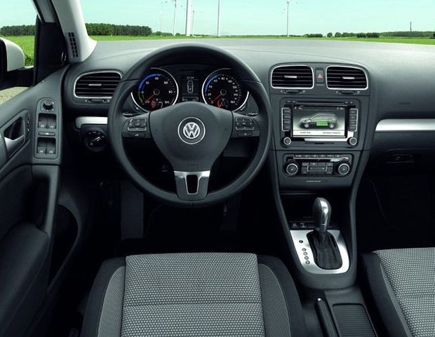 Volkswagen Golf Blue-e-Motion-