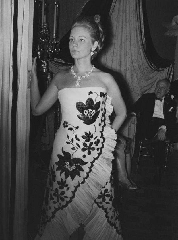 Sunny von Bulow, dans la résidence du couple de Belgrave Square, à Londres en 1968.