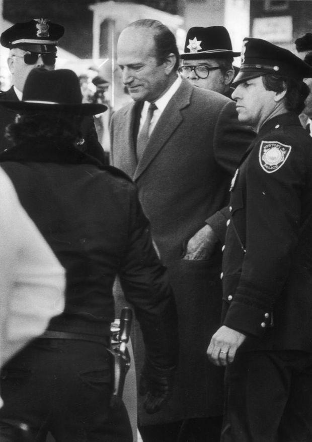 Claus von Bulow après sa condamnation à 30 ans de prison, lors de son premier procès, en janvier 1982.