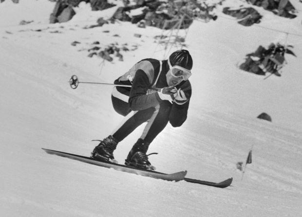 Jean Vuarnet aux Jeux olympiques d'hiver de 1960, à Squaw Valley aux États-Unis. Le Français repartira avec l'or en descente.