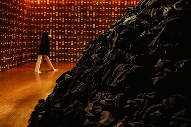 Vue de l'exposition « Faire son temps » au Centre Pompidou