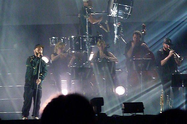 Woodkid sur scène à Montréal, jeudi soir.
