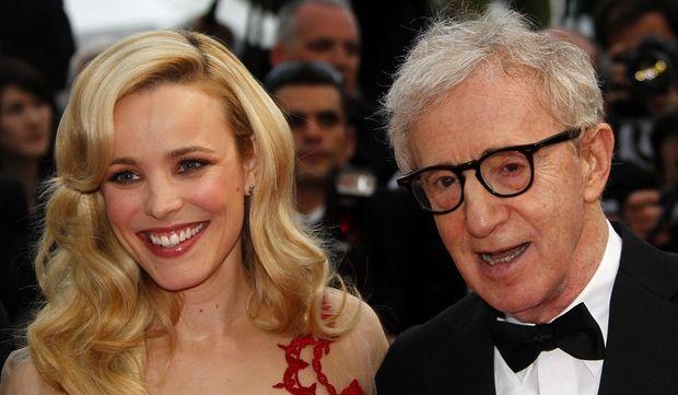 Woody Allen, qui ouvre le Festival avec<emphasize> Midnight in Paris</emphasize>, a monté les marches avec Rachel McAdams.
