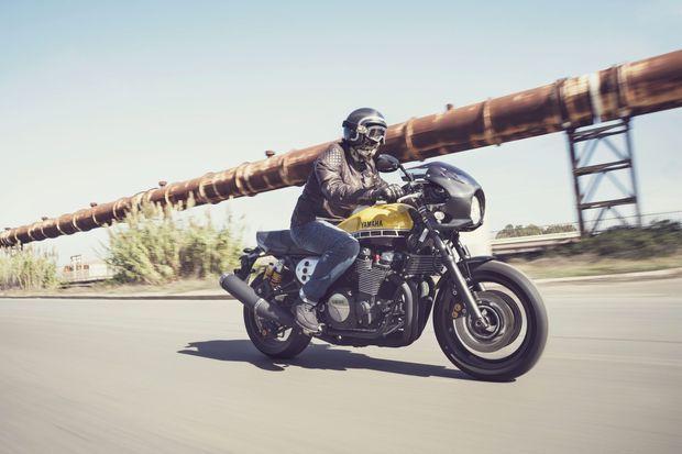 La Yamaha XJR1300 Racer, un charme indémodable.