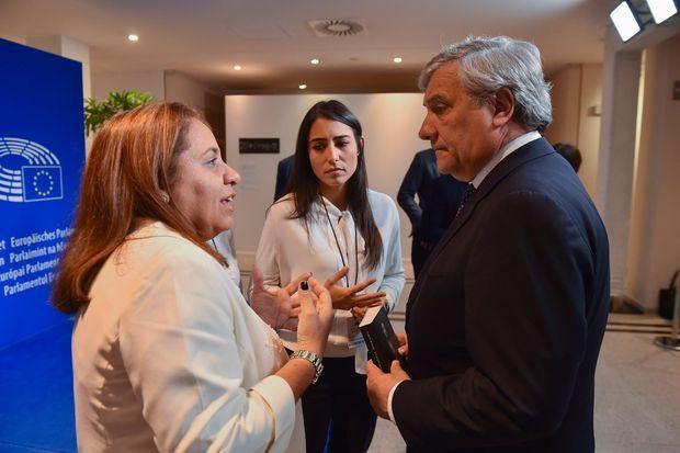 Yamile Soleh Rojas avec le président du Parlement européen Antonio Tajani.