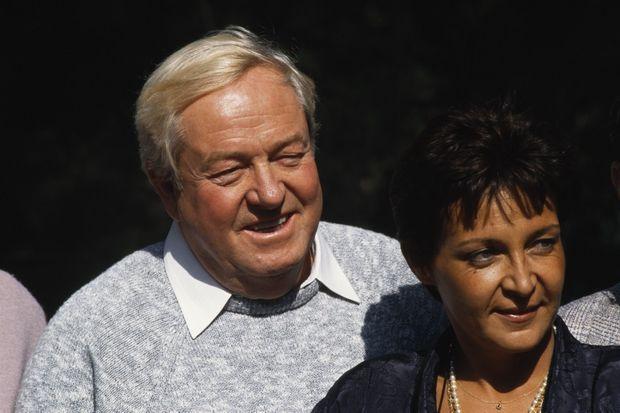 Yann Piat et Jean-Marie Le Pen, en octobre 1987.