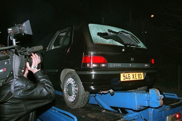 Le 26 février 1994 à Hyères, la voiture de Yann Piat dans laquelle la députée UDF-RPR du Var a été assassinée par deux individus circulant à moto alors qu'elle rejoignait son domicile.